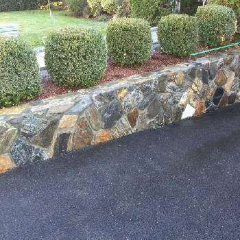 Decorative-Stone-Wall-Driveway-Paved
